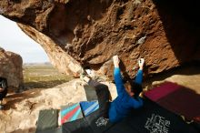 Bouldering in Hueco Tanks on 11/27/2019 with Blue Lizard Climbing and Yoga  Filename: SRM_20191127_0952451.jpg Aperture: f/7.1 Shutter Speed: 1/250 Body: Canon EOS-1D Mark II Lens: Canon EF 16-35mm f/2.8 L