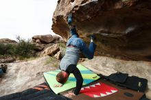 Bouldering in Hueco Tanks on 10/19/2018 with Blue Lizard Climbing and Yoga  Filename: SRM_20181019_0948250.jpg Aperture: f/5.6 Shutter Speed: 1/640 Body: Canon EOS-1D Mark II Lens: Canon EF 16-35mm f/2.8 L