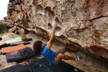 Bouldering in Hueco Tanks on 10/19/2018 with Blue Lizard Climbing and Yoga  Filename: SRM_20181019_1019130.jpg Aperture: f/5.6 Shutter Speed: 1/500 Body: Canon EOS-1D Mark II Lens: Canon EF 16-35mm f/2.8 L