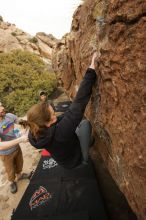 Bouldering in Hueco Tanks on 03/16/2019 with Blue Lizard Climbing and Yoga  Filename: SRM_20190316_1547111.jpg Aperture: f/5.6 Shutter Speed: 1/800 Body: Canon EOS-1D Mark II Lens: Canon EF 16-35mm f/2.8 L