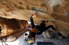 Bouldering in Hueco Tanks on 03/20/2019 with Blue Lizard Climbing and Yoga  Filename: SRM_20190320_1557210.jpg Aperture: f/5.6 Shutter Speed: 1/200 Body: Canon EOS-1D Mark II Lens: Canon EF 16-35mm f/2.8 L