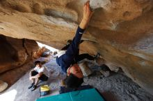 Bouldering in Hueco Tanks on 03/20/2019 with Blue Lizard Climbing and Yoga  Filename: SRM_20190320_1557232.jpg Aperture: f/5.6 Shutter Speed: 1/200 Body: Canon EOS-1D Mark II Lens: Canon EF 16-35mm f/2.8 L