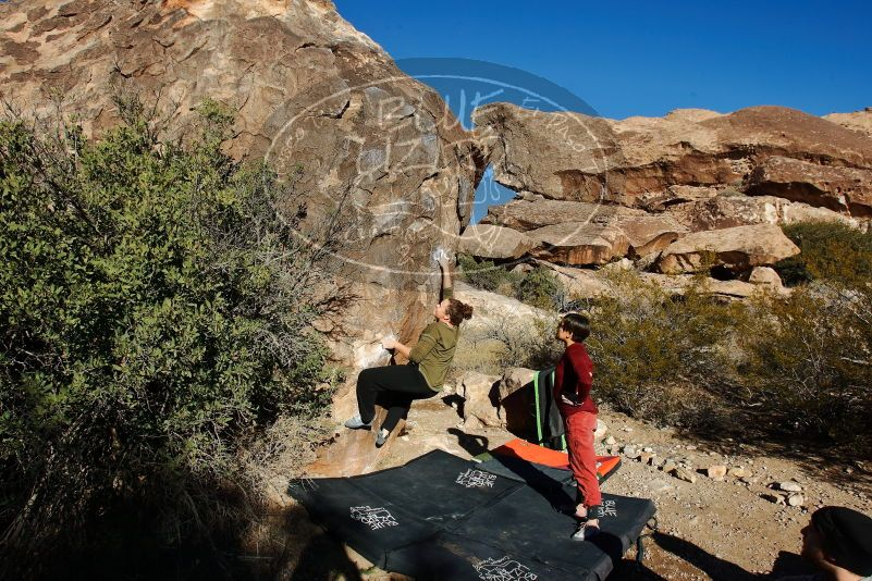 Bouldering in Hueco Tanks on 01/12/2020 with Blue Lizard Climbing and Yoga  Filename: SRM_20200112_1028240.jpg Aperture: f/8.0 Shutter Speed: 1/250 Body: Canon EOS-1D Mark II Lens: Canon EF 16-35mm f/2.8 L