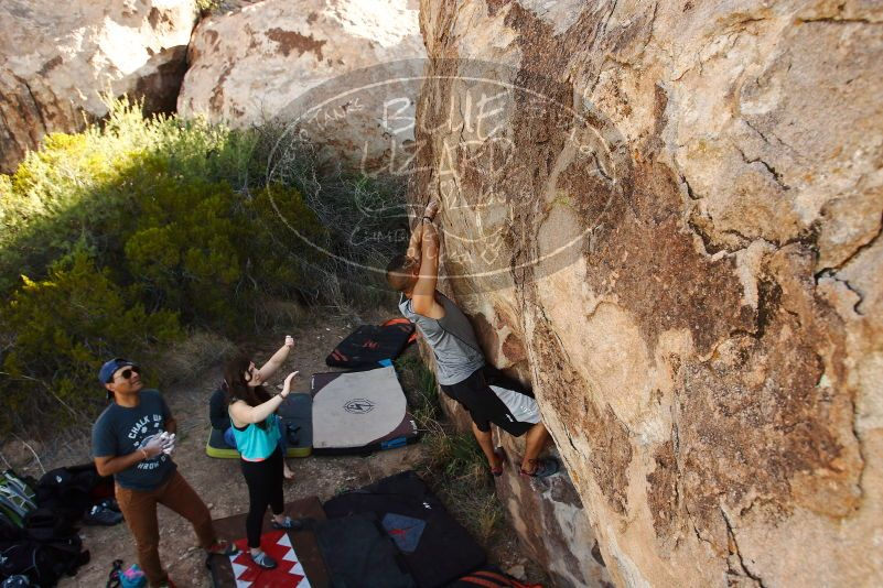 Bouldering in Hueco Tanks on 11/04/2018 with Blue Lizard Climbing and Yoga  Filename: SRM_20181104_1041481.jpg Aperture: f/5.6 Shutter Speed: 1/320 Body: Canon EOS-1D Mark II Lens: Canon EF 16-35mm f/2.8 L